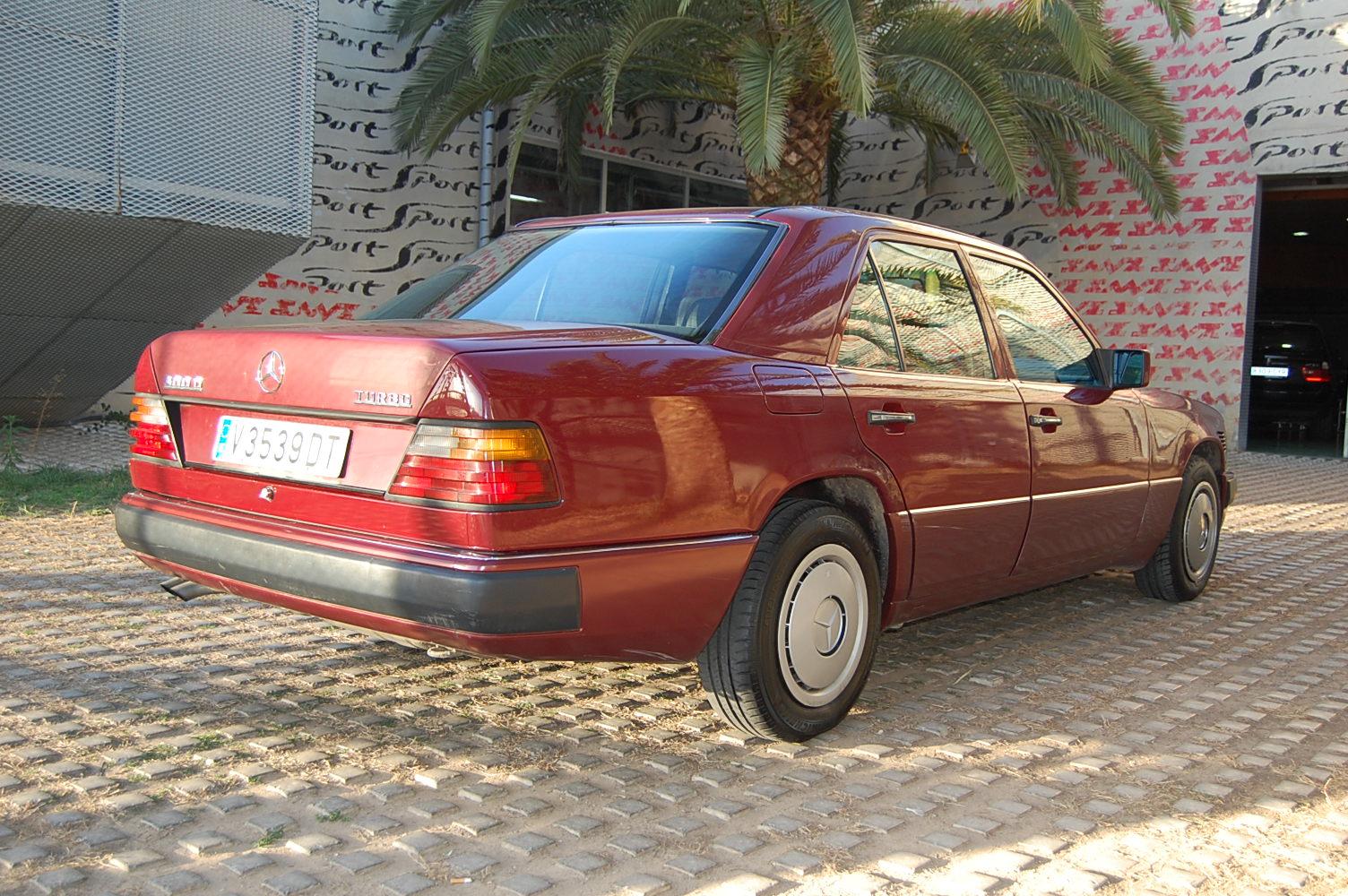 Mercedes benz e 300td coche de ocasi n en valencia for Mercedes benz valencia