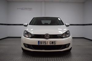 Volkswagen Golf 1.6 Sport - Vista frontal